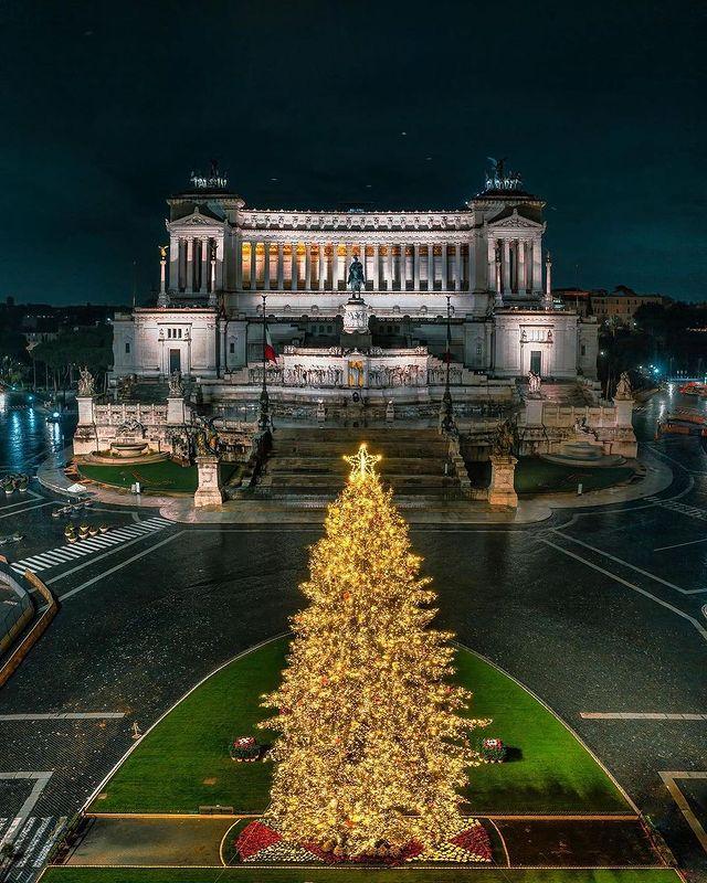 Monumento a Vittorio Emanuelle II en Plaza Venecia de Roma