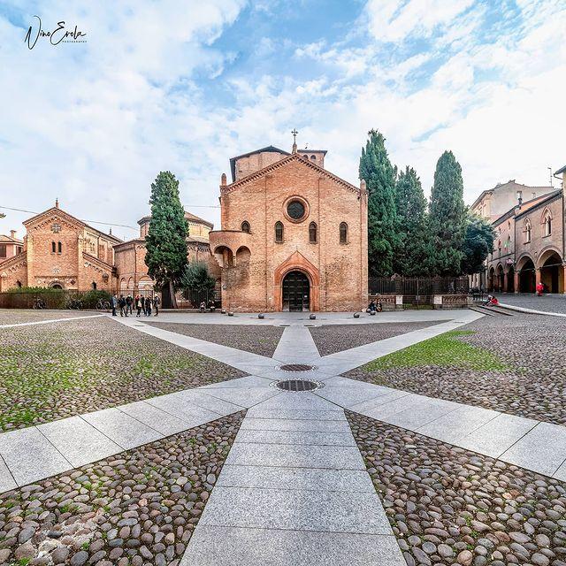 Plaza de Santo Stefano de Bolonia