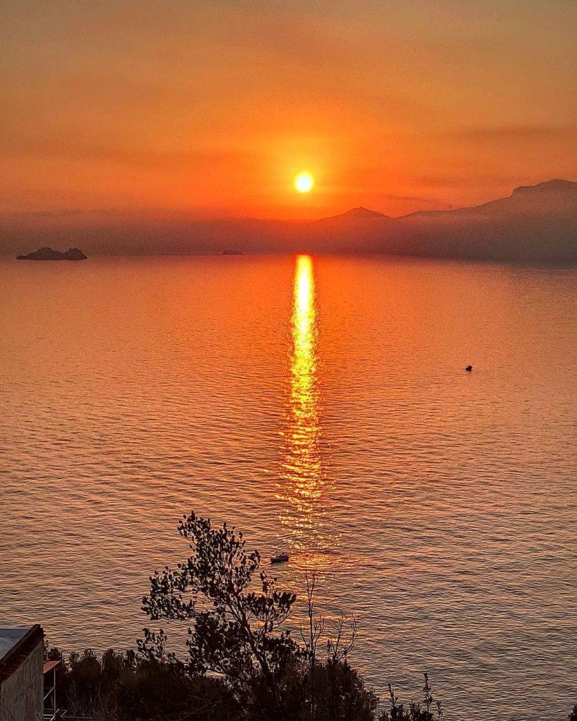 atardecer en la costa de amalfi desde Praiano