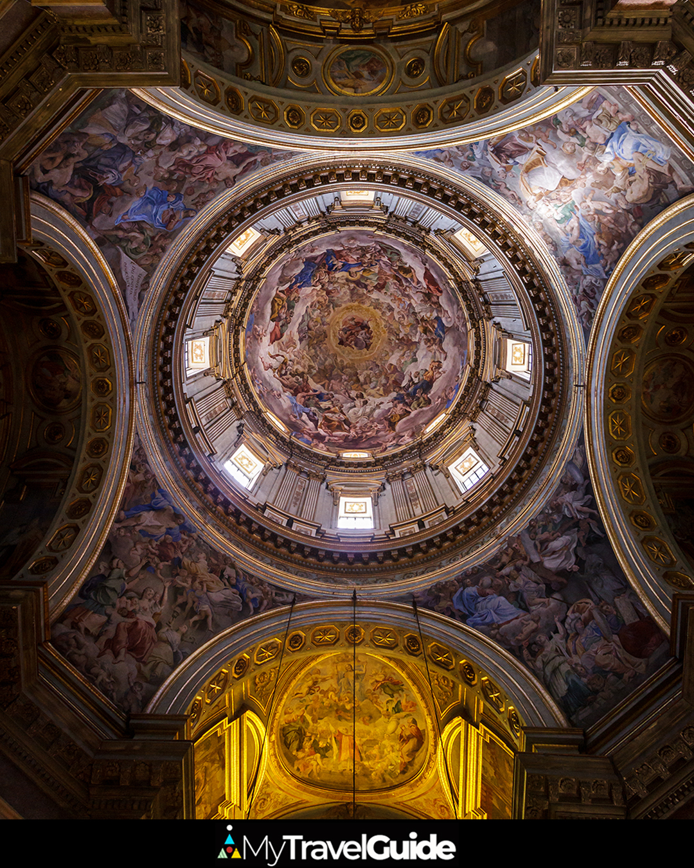 Cupula de la Catedral de Napoles