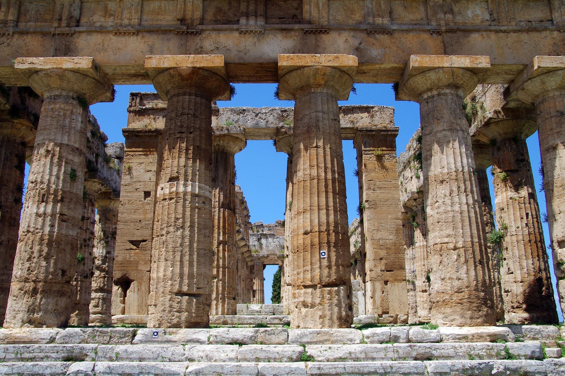 REstos arqueologicos de Paestum en Salerno