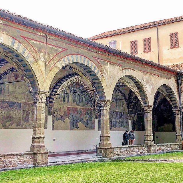 patio interior de la basilica de santa maria novella