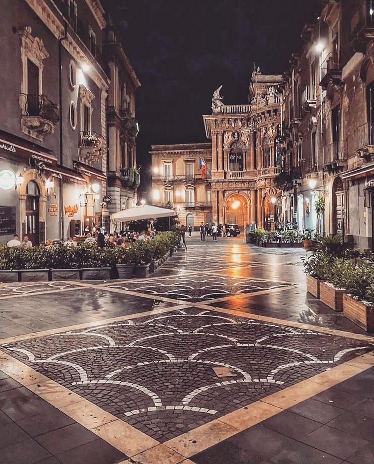 Plaza Vincenzo Bellini de Catania
