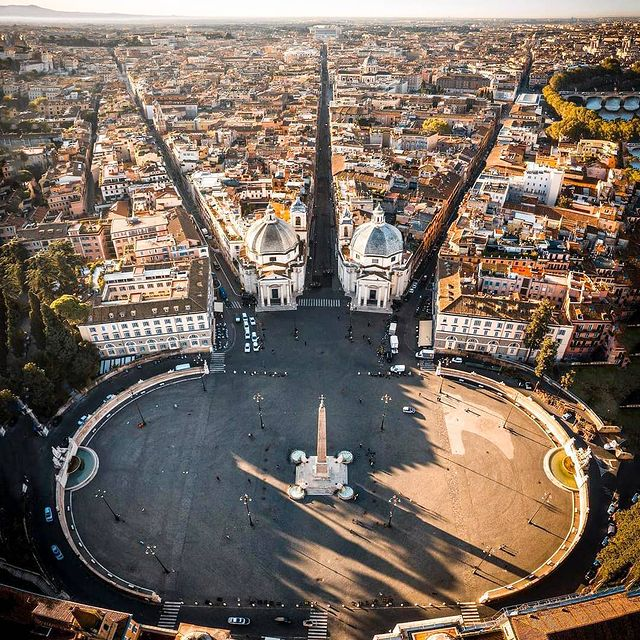 Vista aerea de Plaza del Popolo de Roma