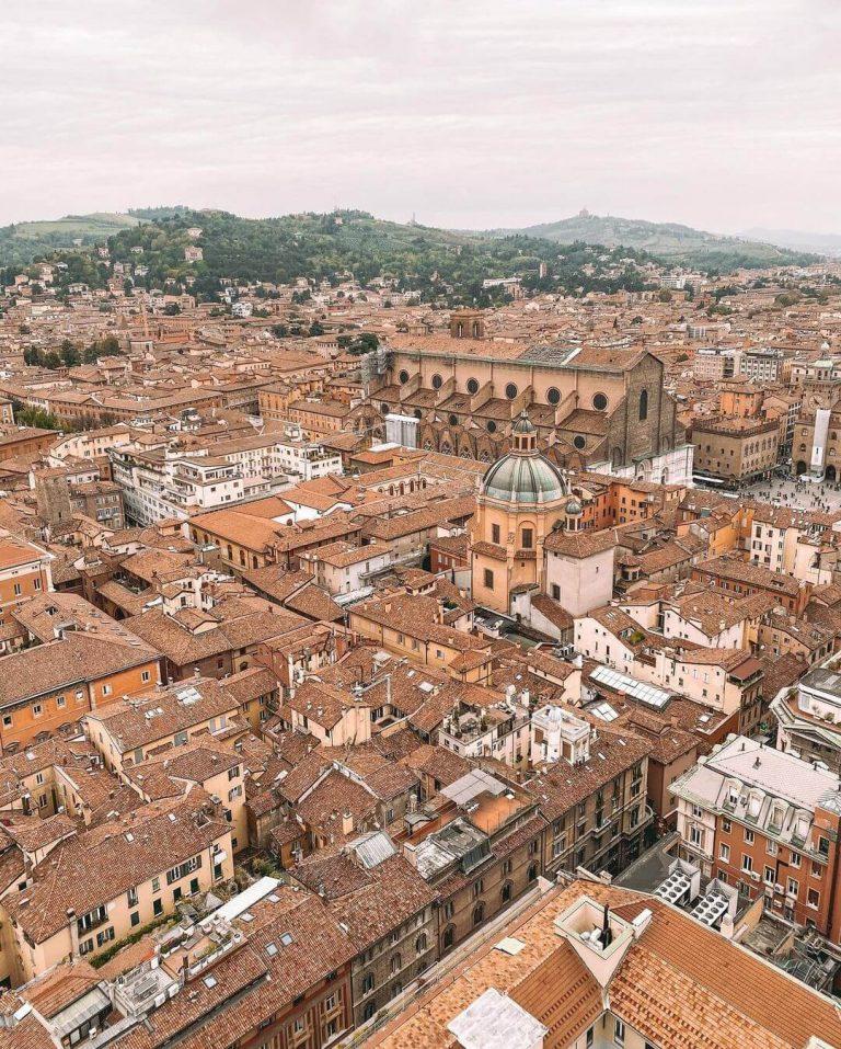 Basilica de san petronio bolonia desde el aire