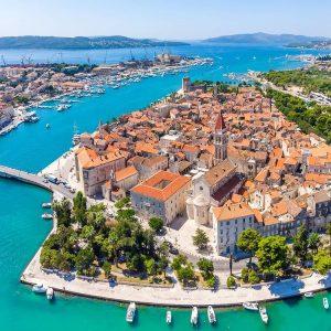 Vista aerea de la ciudad de trogir