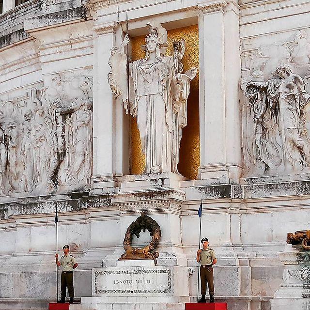 tumba del soldado desconocido en Roma