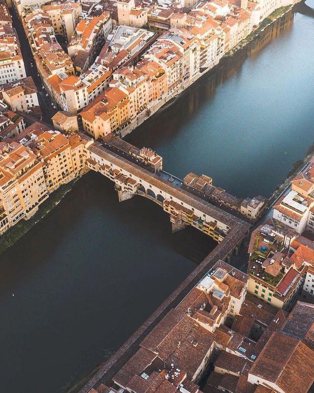 vista aerea del ponte vecchio de florencia