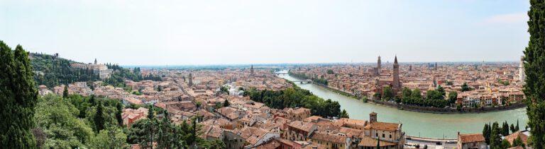 Panoramica de Verona y rio adige
