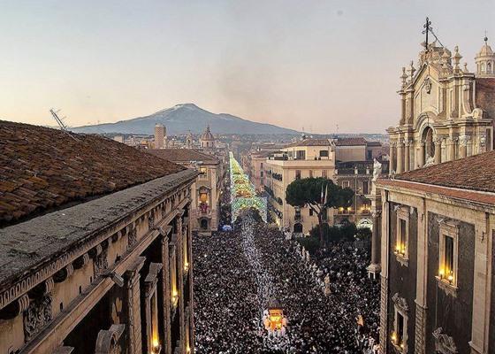 Vistas desde las terrazas del museo diocesano de las fiestas de Santa Agata