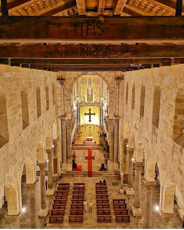 interior de la catedral de cefalu