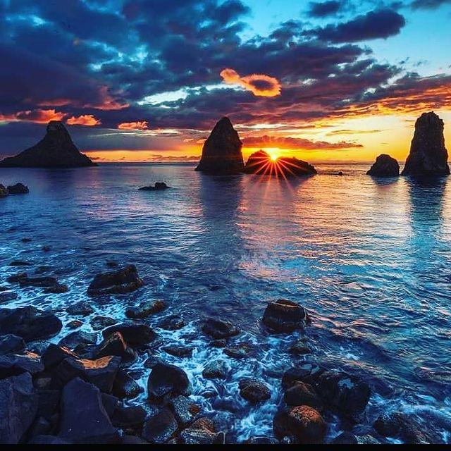 isola lachea sicilia